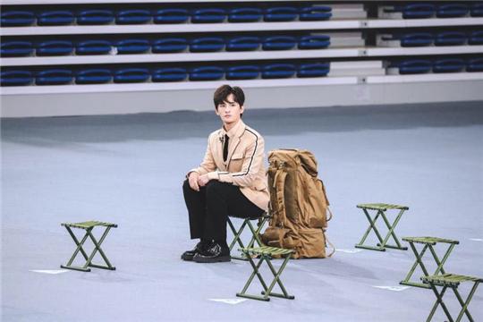 张远成《创造营2019》首个晋级选手 再爆金句重新诠释少年感